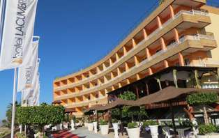 Escapada Romántica: Disfruta en Puerto de Mazarrón (desde 2 noches)