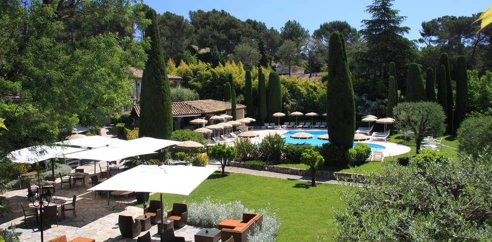 H tel de mougins h tel de charme mougins 06 for Meilleur site de reservation hotel
