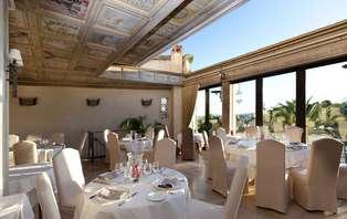 Offre spéciale : Week-end avec dîner en chambre deluxe sur la Côte d'Azur
