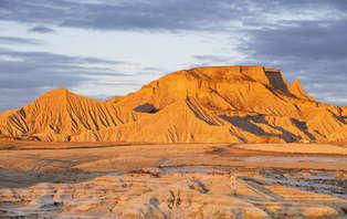 Escapada naturaleza: Descubre el desierto de las Bardenas Reales con pícnic al aire libre