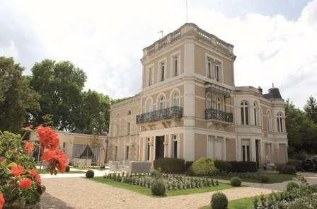 Week-end découverte en famille à Poitiers avec billets pour le parc Défiplanet