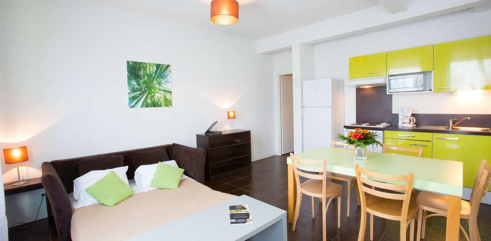 all suites appart hotel bordeaux lac r sidence h tel de charme bordeaux. Black Bedroom Furniture Sets. Home Design Ideas