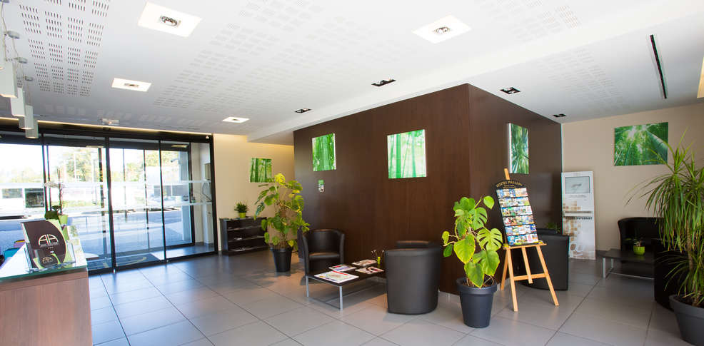 All suites appart hotel pau r sidence h teli re hotel pau for Appart hotel pau