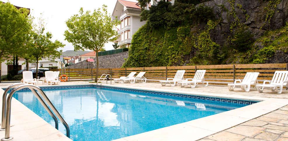 Hotel los arces hotel isla for Isla leon piscina