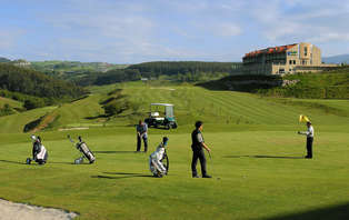 Especial Golf: Escapada con cena, spa y green fee en Comillas
