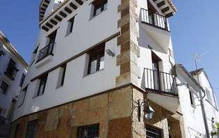 Escapada Romántica con Cena en apartamento suite cerca de Granada