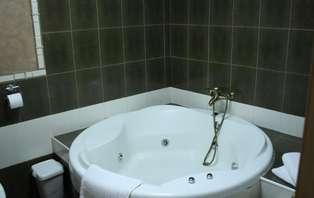 Escapada romántica con bañera de hidromasaje en Cantabria