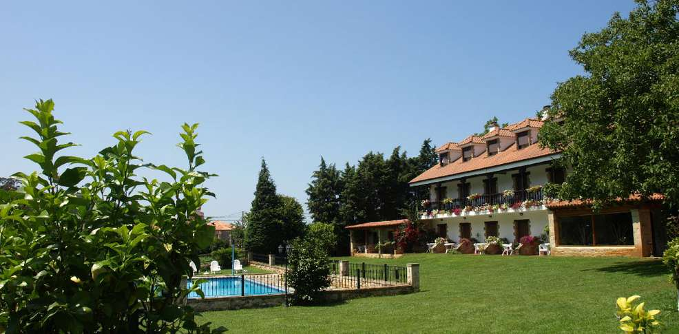 Hotel hoster a spa el pomar hotel alfoz de lloredo - Jardin tecina booking ...