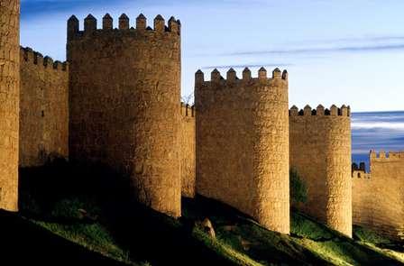 Escapada Especial: Disfruta de las maravillas de Ávila y su gastronomía (Desde 2 noches)