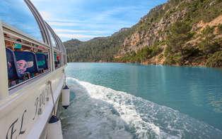 Escapada relax con pensión completa: Navegando por el río Júcar