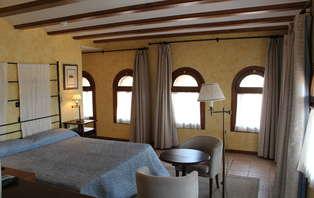 Escapada con visita al Castillo Papa Luna y tapa de bienvenida cerca de Zaragoza