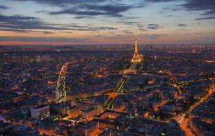 Montez sur la plus belle terrasse de Paris avec une vue à 360° pour un séjour en amoureux