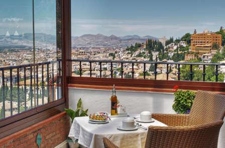 Escapada Romántica con encanto en Granada