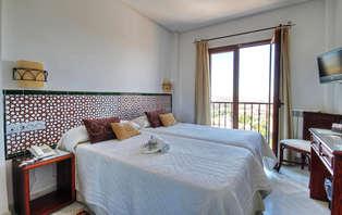 Escapada con Cena y toque romántico con vistas a Granada