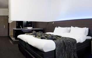 Comfy cozy wellnessweekend met tapas in design hotel in Genk
