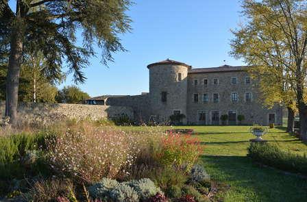 Escapade au château avec bouteille de champgne offerte, au cœur de l'Ardèche (à partir de 2 nuits)