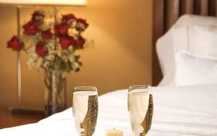 Escapade romantique en suite avec Champagne à Sète