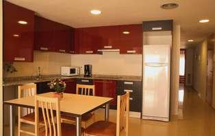 Escapada en apartamento equipado en Calella (desde 2 noches)