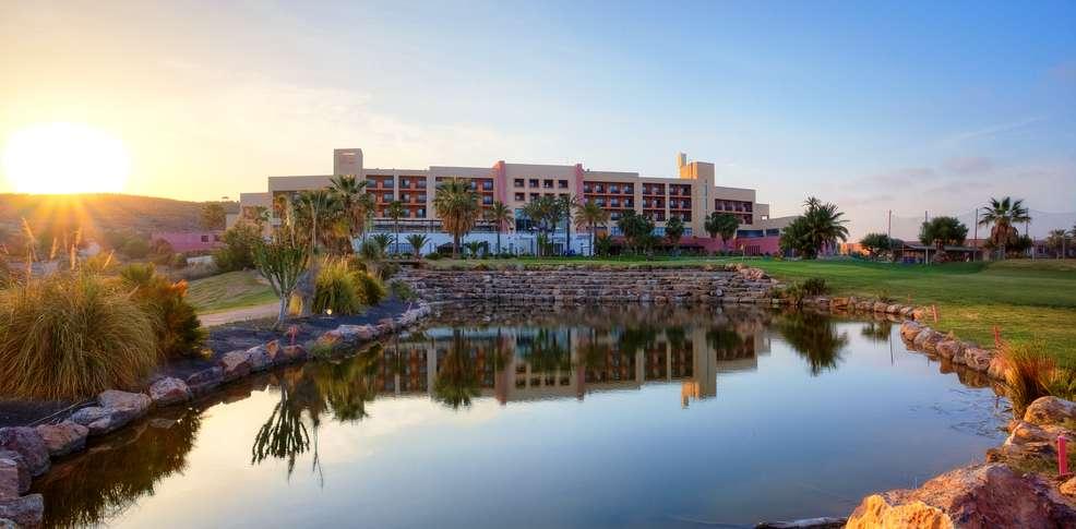 Hotel valle del este golf resort h tel de charme vera for Reservation hotel pas chere