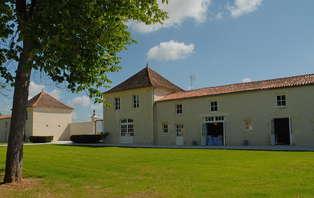 Offre spéciale: Week-end avec dîner dans un château prés de Rochefort