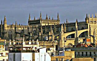 Escapada Romántica con Visita Guiada al barrio de Triana, en Sevilla