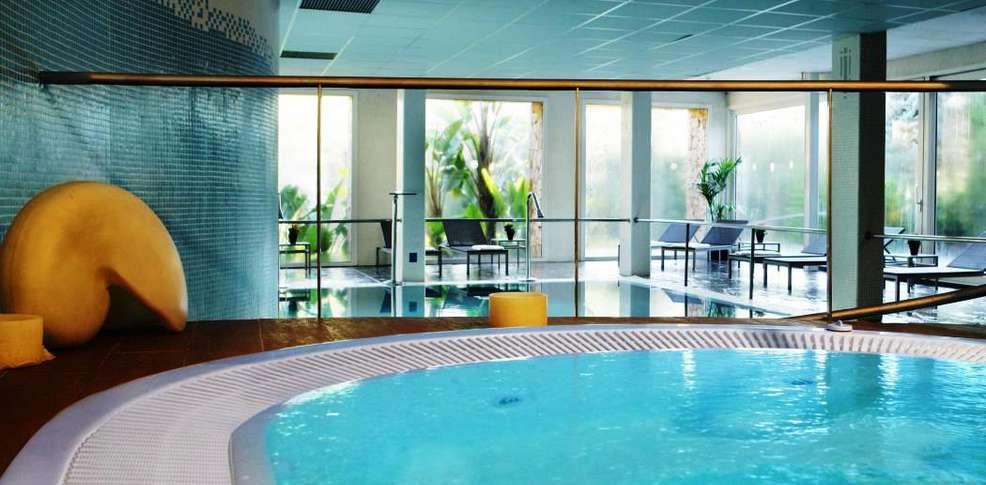 Gran hotel monterrey h tel de charme lloret de mar - Hotel salamanca 5 estrellas ...