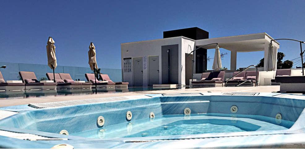 Week end culturel torremolinos avec entr e au bioparc de for Hotel design andalousie