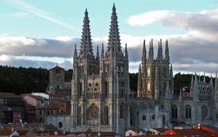 Escapada con tapa y vino en Burgos (desde 2 noches)