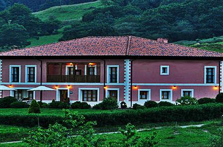 Escapada romántica y rural en plena naturaleza asturiana