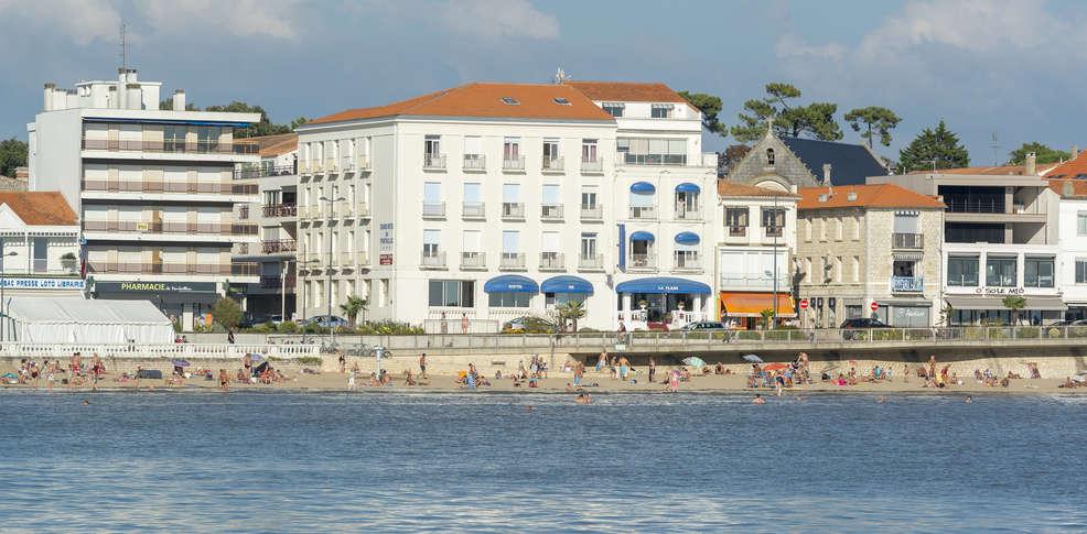 Le grand h tel de la plage h tel de charme royan for Hotel appart royan
