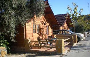 MiniVacaciones en Sierra Nevada en bungalow de lujo 100x100 romántico (desde 3 noches)