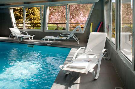 Week-end au bord de la piscine en chambre supérieure près de Mulhouse