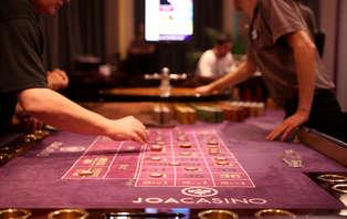 Escapade en couple avec dîner et entrée au casino