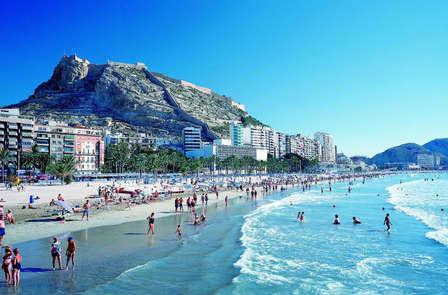 ¡Atención! Mini vacaciones familiares en Alicante en Media pensión
