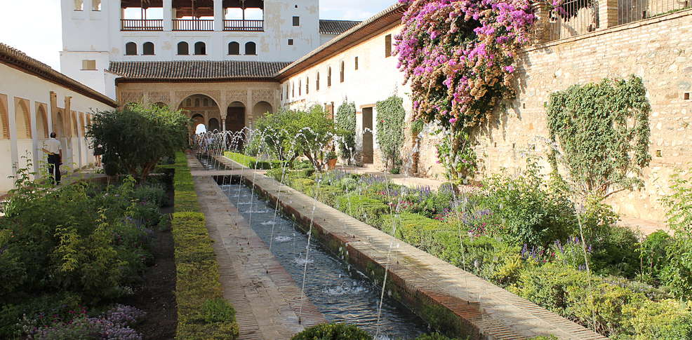 week end grenade week end d tente avec touche romantique visite guid e de l 39 alhambra et du. Black Bedroom Furniture Sets. Home Design Ideas