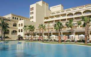Escapada Mini Vacaciones: 3x2 con Media Pensión de lujo en Almería
