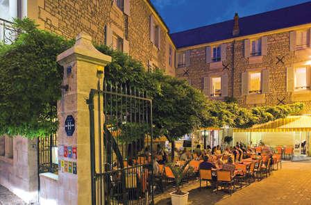 Week-end avec déjeuner ou dîner à Fontenay Le Comte