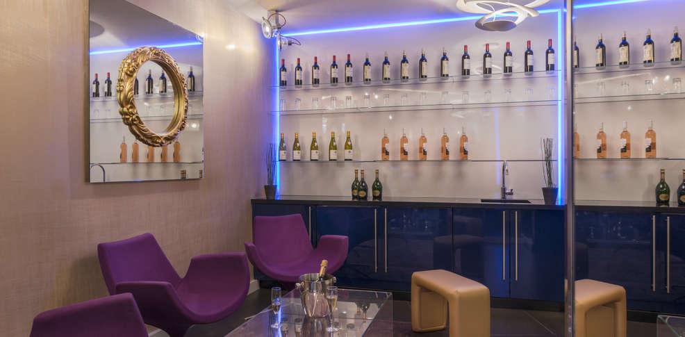 Le bon h tel h tel de charme paris for Bon de reservation hotel