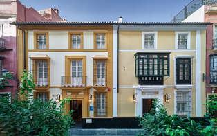 Escapada con entradas a la Casa del Flamenco y encanto del siglo XVIII en Sevilla