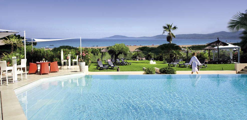 Grand h tel les flamants roses h tel de charme canet en for Hotel perpignan avec piscine