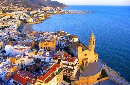 Escapada en Sitges: Descubre el sol del Mediterráneo