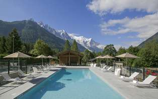 Offre Spéciale: Week-end détente & SPA en chambre supérieure avec balcon à la montagne, à Chamonix
