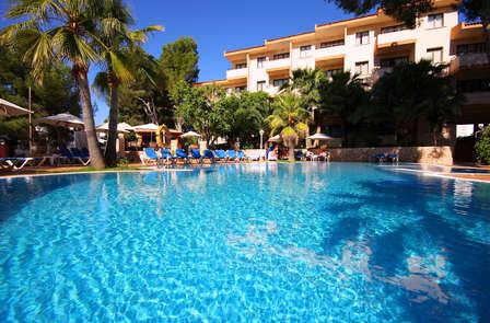 Escapada en Media Pensión con Relax y toque romántico en Mallorca