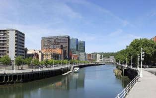 Descubre Bilbao en barco: Escapada con paseo por la ría de Bilbao (desde 2 noches)