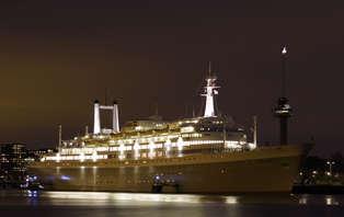 Week-end avec dîner sur un ancien bateau de croisière à Rotterdam