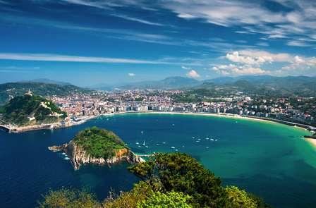 Découvrez San Sebastián: Escapade romantique avec petit déjeuner et parking inclus