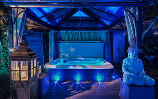 Week-end avec accès privatif au bain bouillonnant à Saint Malo, bouteille de champagne incluse !