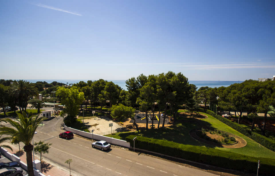 Escapadas fin de semana rom nticas oropesa del mar con for Hotel jardin oropesa