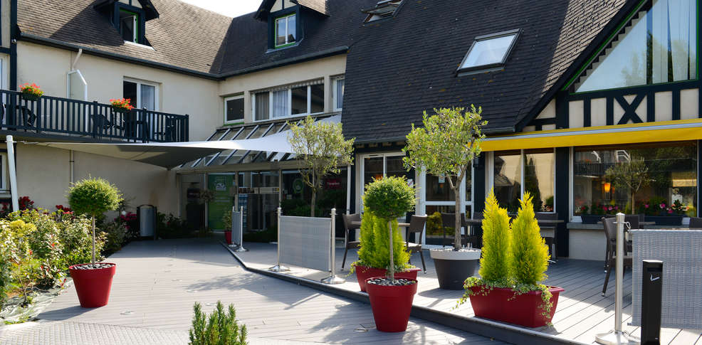 H tel mercure cabourg hippodrome h tel de charme cabourg 14 for Hotel piscine cabourg