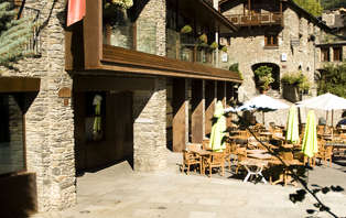 Escapada romántica con cava en Ordino